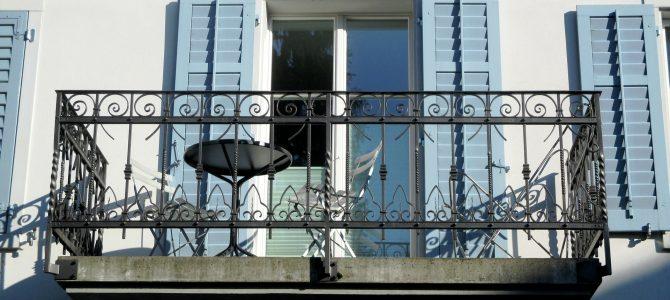 Ideale Einrichtung für den Balkon nach Himmelsrichtungen