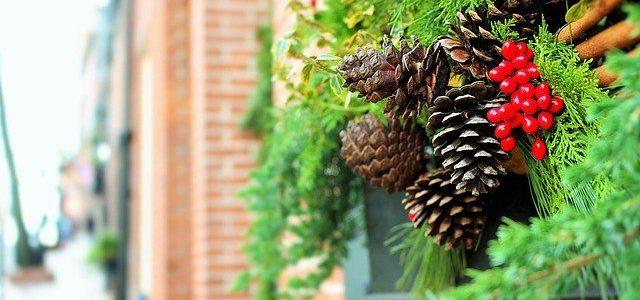 Weihnachtliches Schmücken an der Fassade muss mit dem Vermieter abgesprochen werden