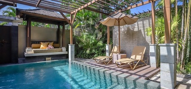 Der Pool im eigenen Garten…